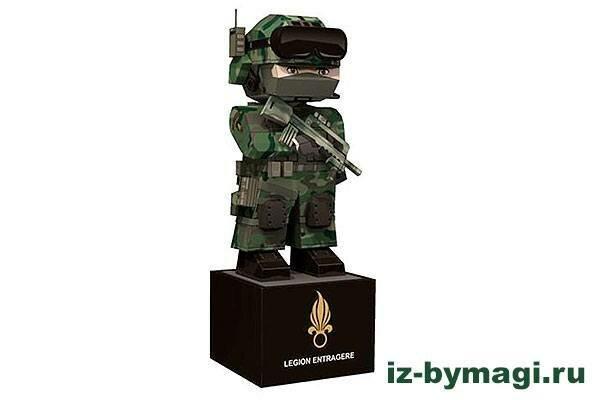 Легионер Французского легиона из бумаги